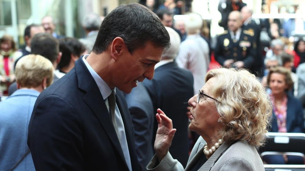 Pedro Sánchez y Manuela Carmena. (Foto. EP)