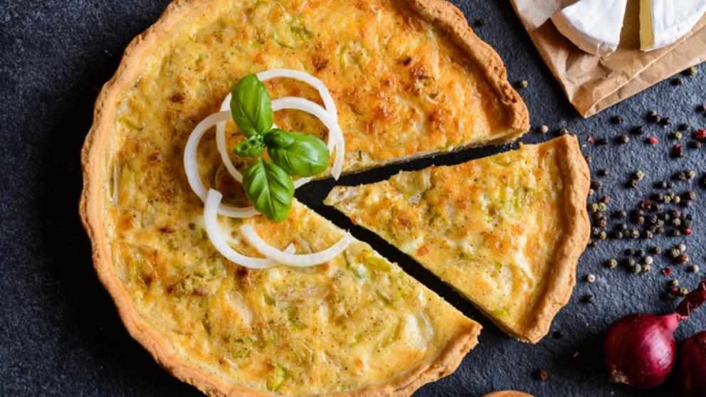 Receta de tarta de cebolla caramelizada con queso de cabra