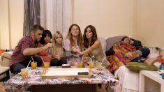 Juegan a 'Furor' en Ven a cenar conmigo: Summer Edition'. (Foto: Cuatro)