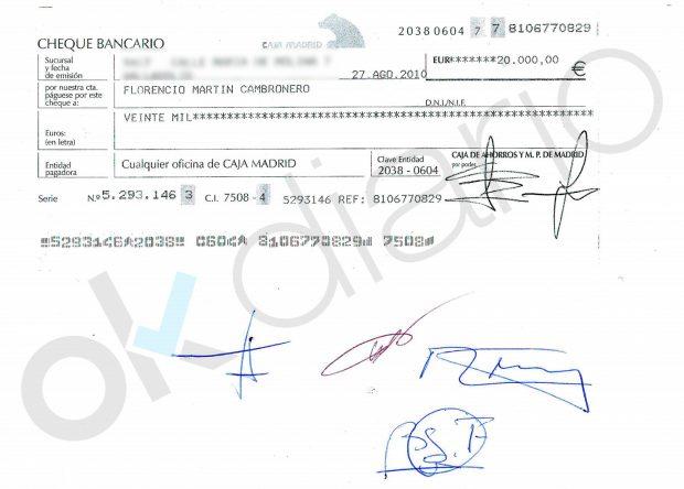 Cheque bancario con el que M. M. abonó los 20.000 euros del contrato de arras.