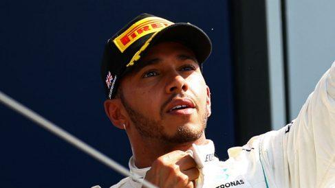 Lewis Hamilton ha renovado su contrato con Mercedes, equipo en el que permanecerá al menos hasta finales de la temporada 2020. (Getty)