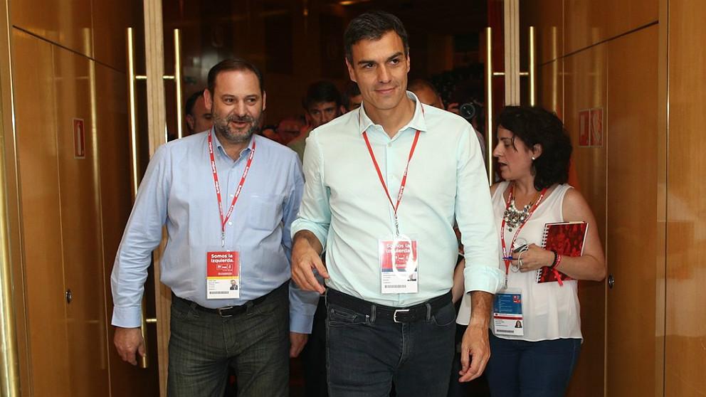 José Luis Ábalos y Pedro Sánchez. (EP)
