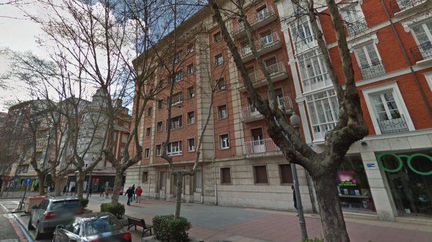 Edificio de Valladolid donde se encuentra la vivienda del alcalde Óscar Puente (Foto: GMaps)