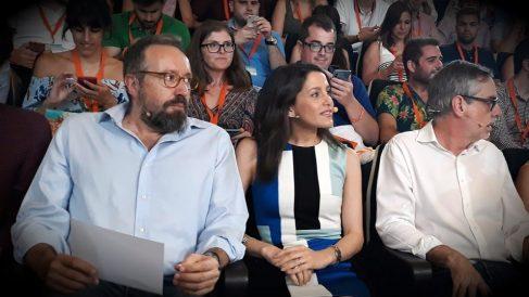 Inés Arrimadas, Juan carlos Girauta y José Manuel Villegas, en el Campus joven de C's. (EP)