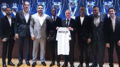 Ronaldo Nazario estuvo presente en la presentación de Vinicius. (Realmadrid)