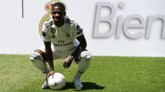 Vinicius, presentado con el Real Madrid. (AFP)