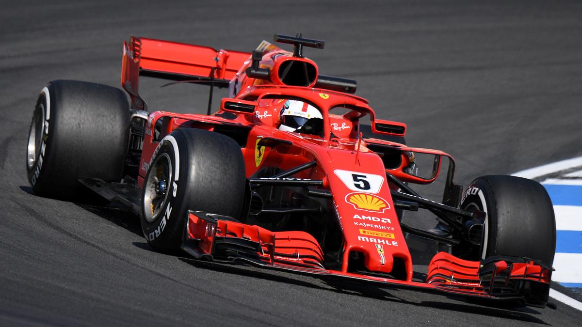 Vettel, a los mandos de su Ferrari en el circuito alemán de Fórmula 1.