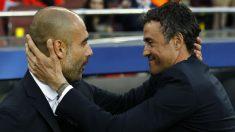 Pep Guardiola y Luis Enrique se saludan antes de un duelo entre ambos. (AFP)