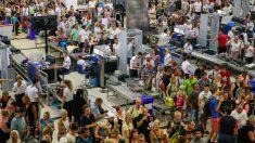 Turistas en un aeropuerto de Antalya, Turquía (Foto: iStock)