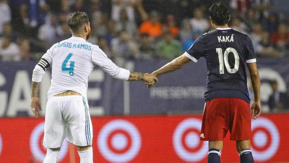 Sergio Ramos y Kaká, durante un Real Madrid contra un combinado de la MLS. (Getty)