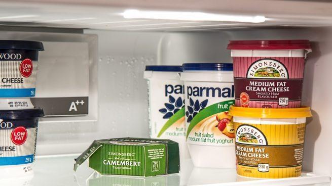 C mo cambiar la goma del frigor fico y trucos para limpiarla - Cambiar puertas casa ...