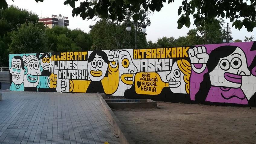 Aspecto inicial del mural en homenaje a los agresores de Alsasua en Valencia. (OKD)