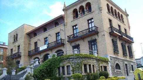 Fachada del Ayuntamiento de Getxo (Vizcaya).