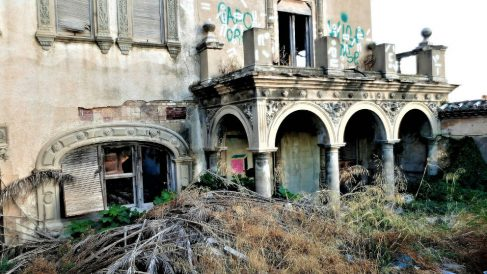 Chalet del Rosal o de Garin en Burjassot (Comunidad Valenciana) en mal estado.