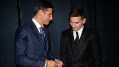 Zanetti y Messi, hablando durante una gala de premios.