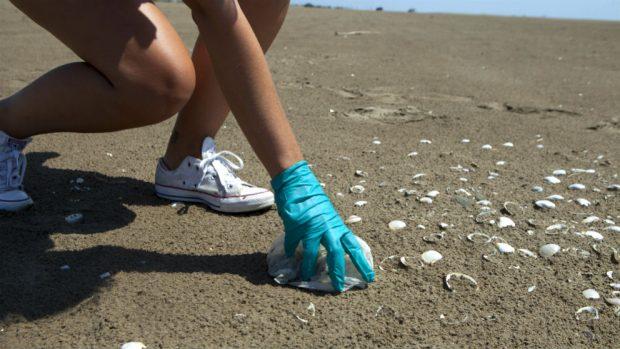 """El proyecto """"Mares Circulares"""" de Coca-Cola, que solo durante este verano propone el reto de recoger residuos en 80 playas y entornos acuáticos de España y Portugal"""