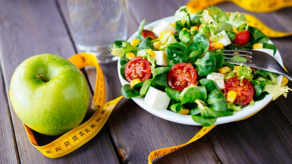 Receta de ensalada de lechuga y manzana, sana y sencilla
