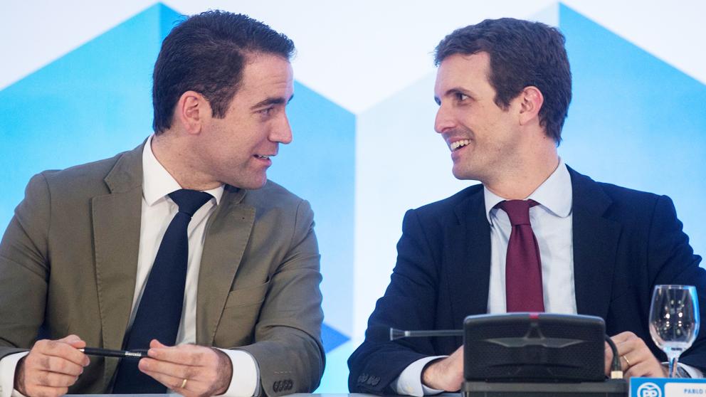 Pablo Casado y Teo García Egea. (Foto: EFE)