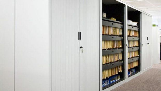 C mo ajustar las puertas de un armario - Ajustar puertas armario ...