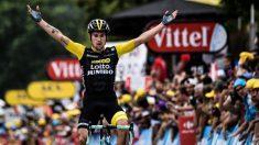 Roglic celebra su triunfo en Laruns. (AFP)