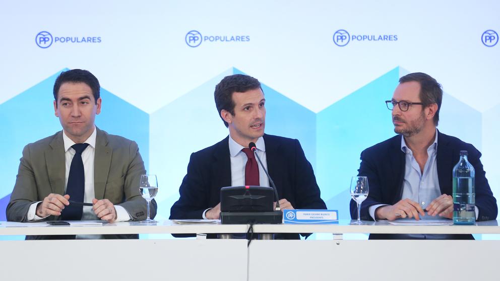 Teodoro García Egea, Pablo Casado y Javier Maroto. (Foto: EFE)