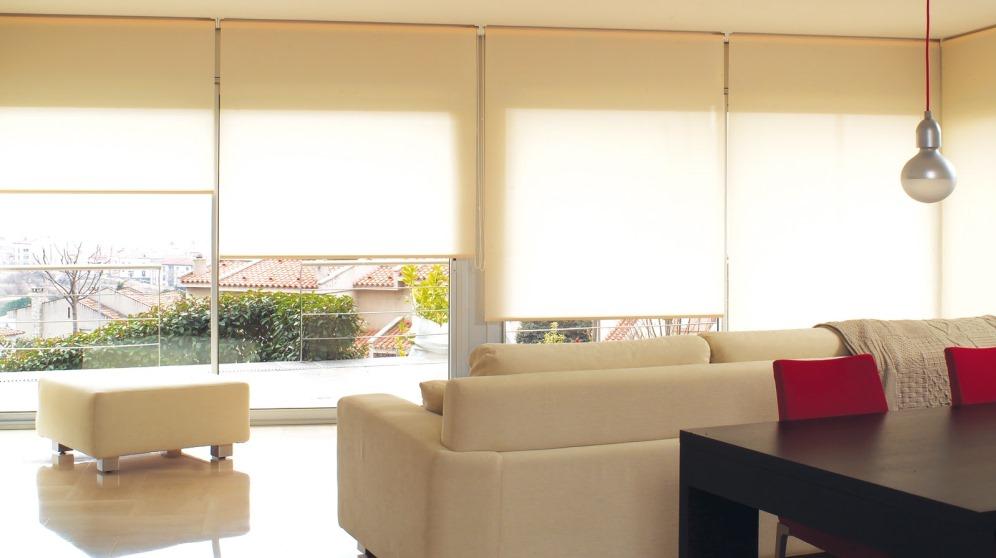 Cómo colocar cortinas sin taladrar de diferentes maneras