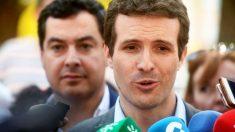Pablo Casado, presidente del PP, y Juanma Moreno, líder del partido en Andalucía. (Foto: EFE)
