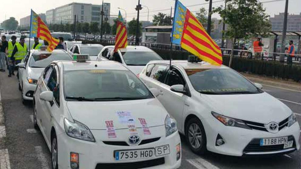 Taxis de Valencia contra los VTC.