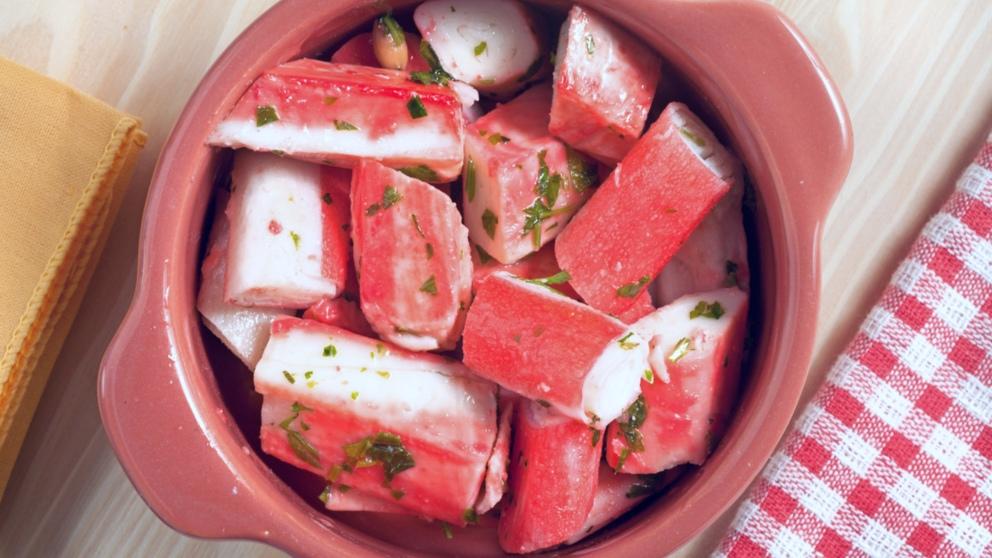 Receta de Palitos de cangrejo con ajo y perejil fácil de preparar