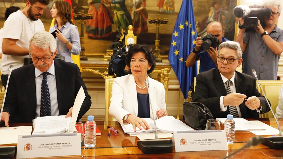 Isabel Celáa al frente de la Conferencia Sectorial de Educación. (Foto: Europa Press)