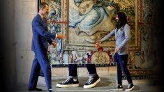 El Rey y el presidente del Parlamento de Baleares, Baltasar Picornell. (Foto: EFE)