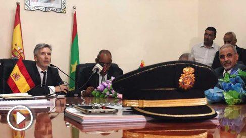 Grande-Marlaska en una reunión con las autoridades mauritanas. Foto: Europapress
