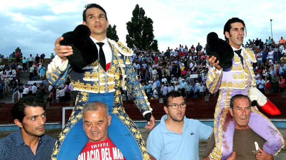 Manzanares y Talavante salen a hombros este sábado en Segovia (Foto: Efe).