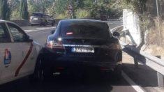 Un taxista embiste contra un vehículo con licencia VTC.