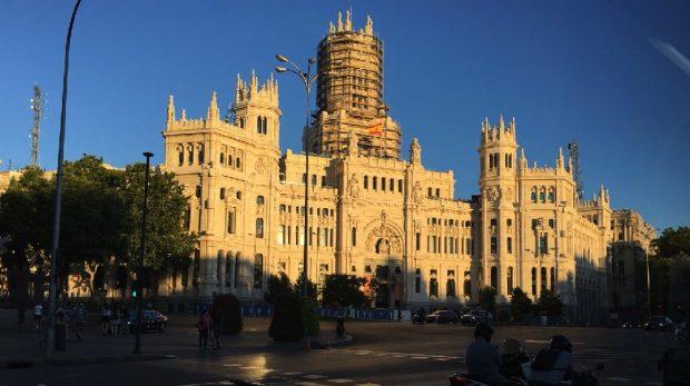 Carmena gasta un millón de euros en redecorar y reformar de nuevo el Palacio de Cibeles