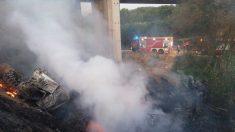 Camión accidentado en la A-2, cuyo conductor ha fallecido. (Foto: Europa Press)