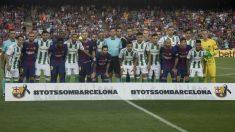 Jugadores de Barcelona y Betis durante el partido de la pasada temporada. (Getty)