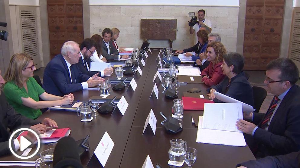 Inicio de la Comisión Bilateral Generalitat-Estado en la sala Tarongers del Palau de la Generalitat.