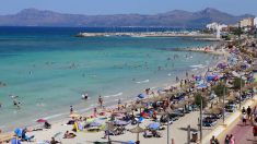 Turistas en una playa de Mallorca (Foto: iStock)