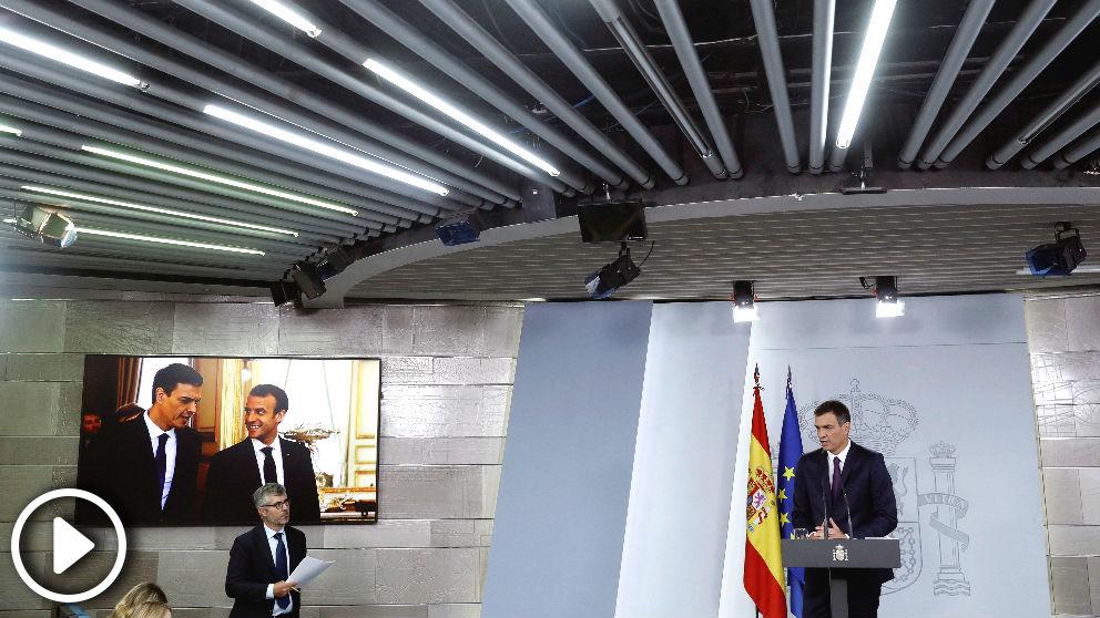 El presidente del Ejecutivo, Pedro Sánchez, durante su comparecencia en el Palacio de La Moncloa en la que ha hecho un balance de su gestión cuando se cumplen dos meses de su Gobierno (Foto: Efe)
