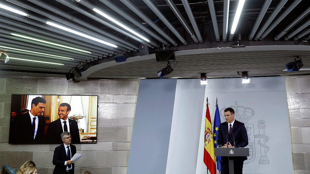 Pedro Sánchez, durante su primera rueda de prensa en solitario como presidente del Gobierno en la Moncloa (EFE)