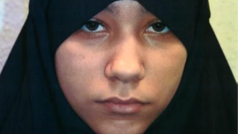 Safaa Boular, la yihadista de 18 años, condenada a cadena perpetua en Reino Unido.