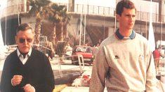 El general Alcina y el entonces Príncipe Felipe en el Puerto de Barcelona en 1992.