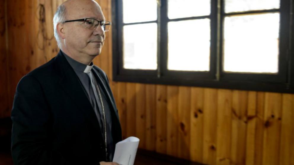 El secretario general de la Conferencia Episcopal de Chile, Monseñor Fernando Ramos. Foto: AFP
