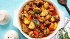 Receta de ternera guisada con verduras, un plato tradicional