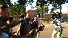 El sanguinario etarra Santi Potros tras salir este domingo de la cárcel (Foto: EFE).