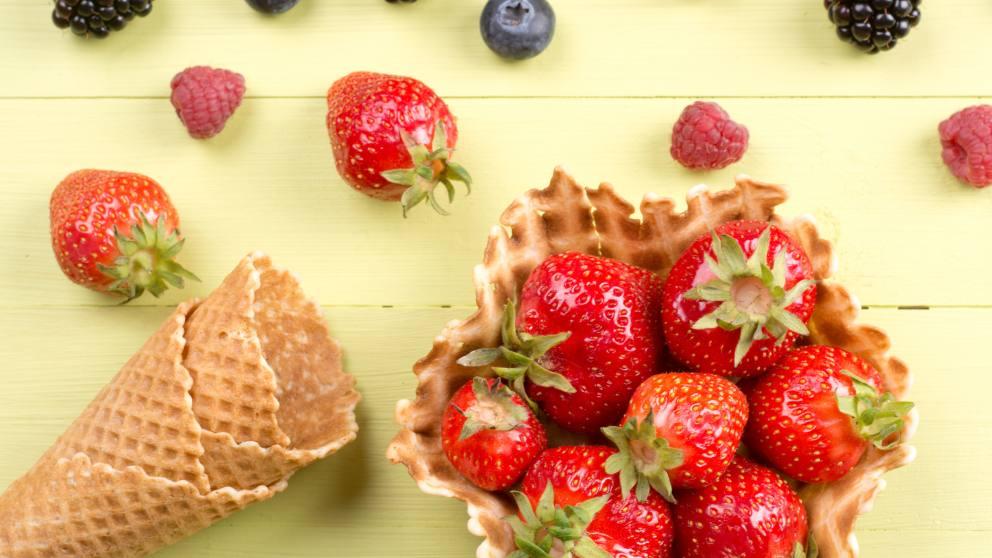 Receta de fresas a la pimienta con helado de vainilla