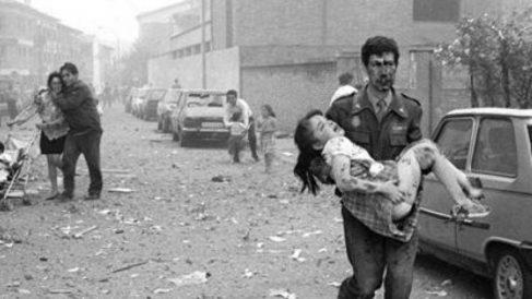 Una imagen tomada tras el atentado perpetrado por la banda terrorista ETA en un Hipercor de Barcelona.