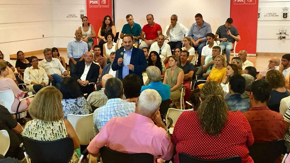 José Luis Ábalos, en un mitin en La Palma. (PSOE)