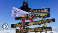 Rubén López, en su tercera y última subida al Kilimanjaro.